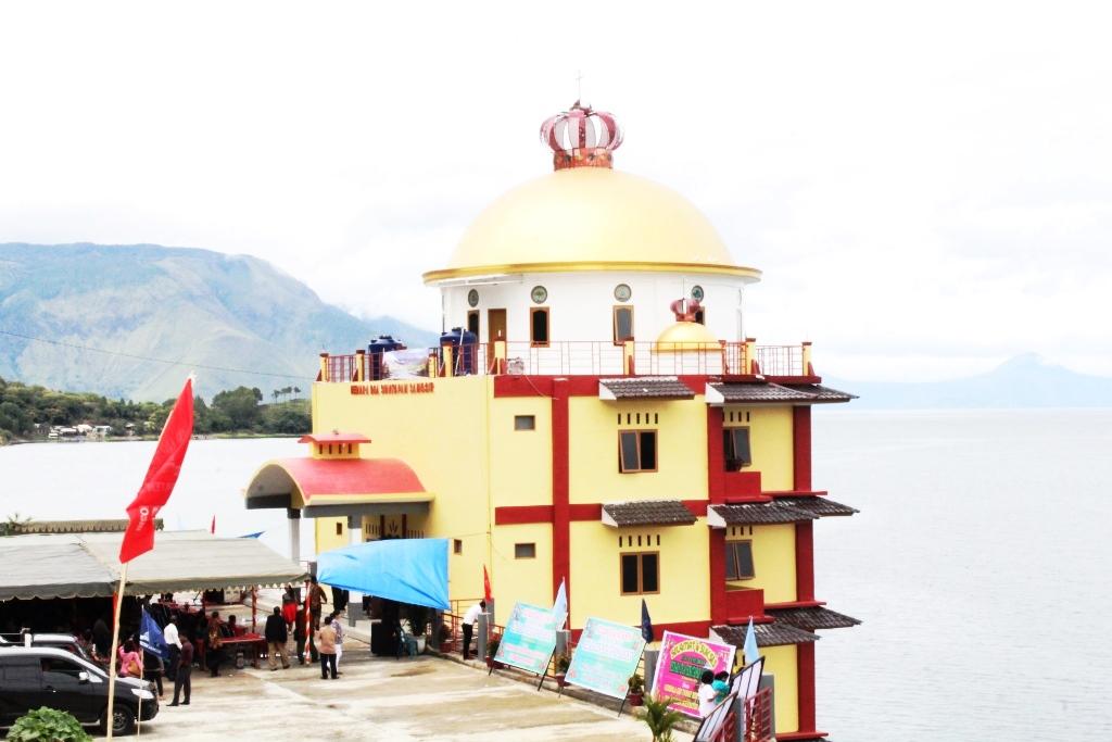 Menara Doa Sinatapan