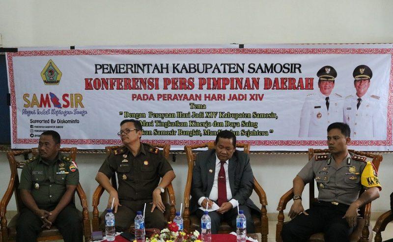 Konferensi Pers Perayaan Hari Jadi Pemrintahan Kabupaten Samosir Ke 14 Berlangsung Akrab