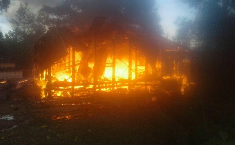 Rumah Permamdes Sinaga Habis Dilalap Si Jago Merah Di Desa Parsaoran Kecamatan Sitiotio