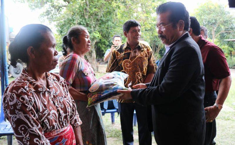 Anggota DPR RI Komisi V Kunjungan Kerja Dan Mengunjungi Korban Bencana Alam Di Samosir