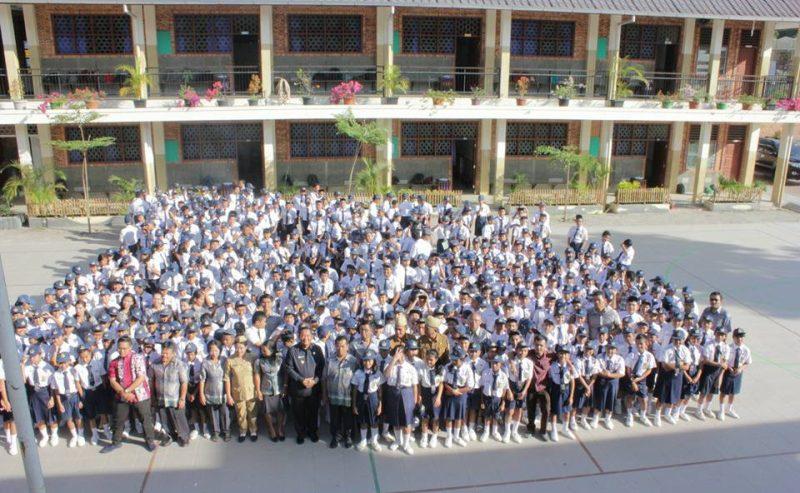Bupati Samosir Rapidin Simbolon Inspektur Upacara Di SMP Budi Mulia Pangururan