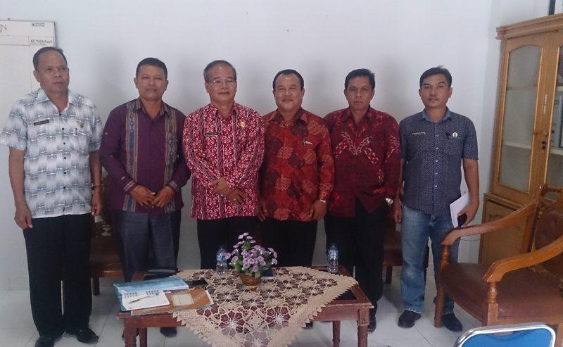BADAN PEKERJA HARIAN MAJELIS SINODE GEREJA KRISTEN INDONESIA SUMATERA UTARA AUDIENSI DENGAN BUPATI SAMOSIR