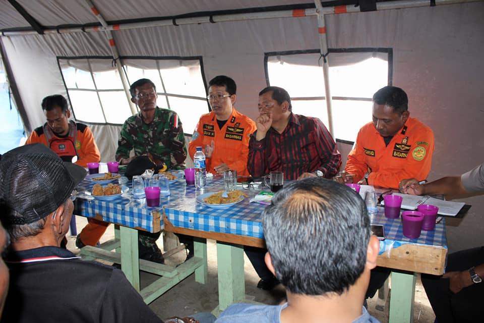 Rapat Koordinasi Kelanjutan Proses Pencarian Dan Penyelamatan Korban KM. Sinar Bangun Di Posko Simanindo